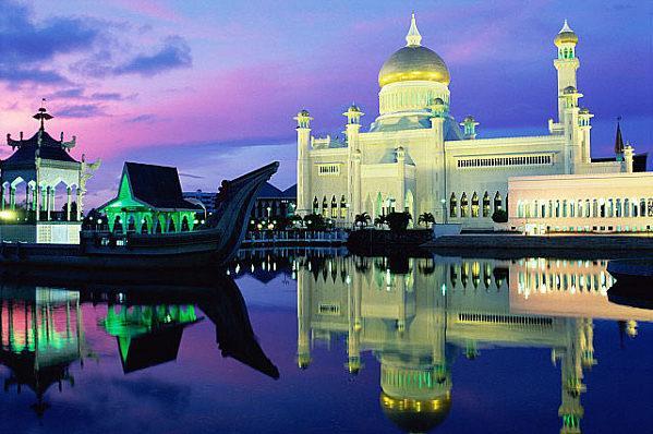 Мечеть Омар Али Сайфуддин